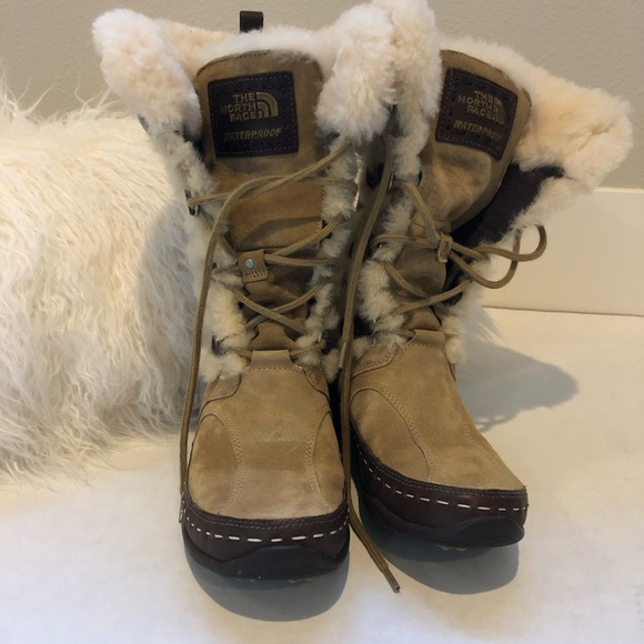 e4882cbea North Face Waterproof Snow Boots Shearling Size 6
